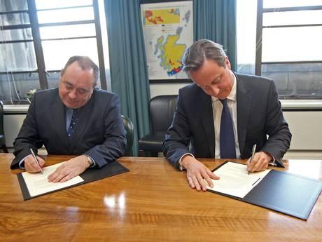 Signing the Edinburgh Agreement