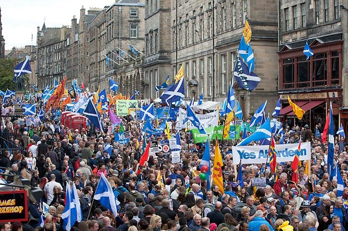 On the High Street, Edinburgh 2013