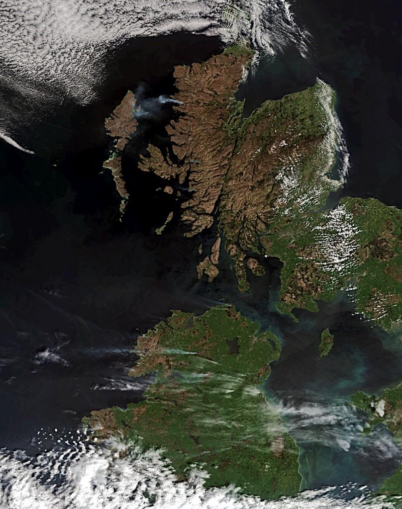 fires-north-scotland-irelandMER_FRS_20110502_753_or