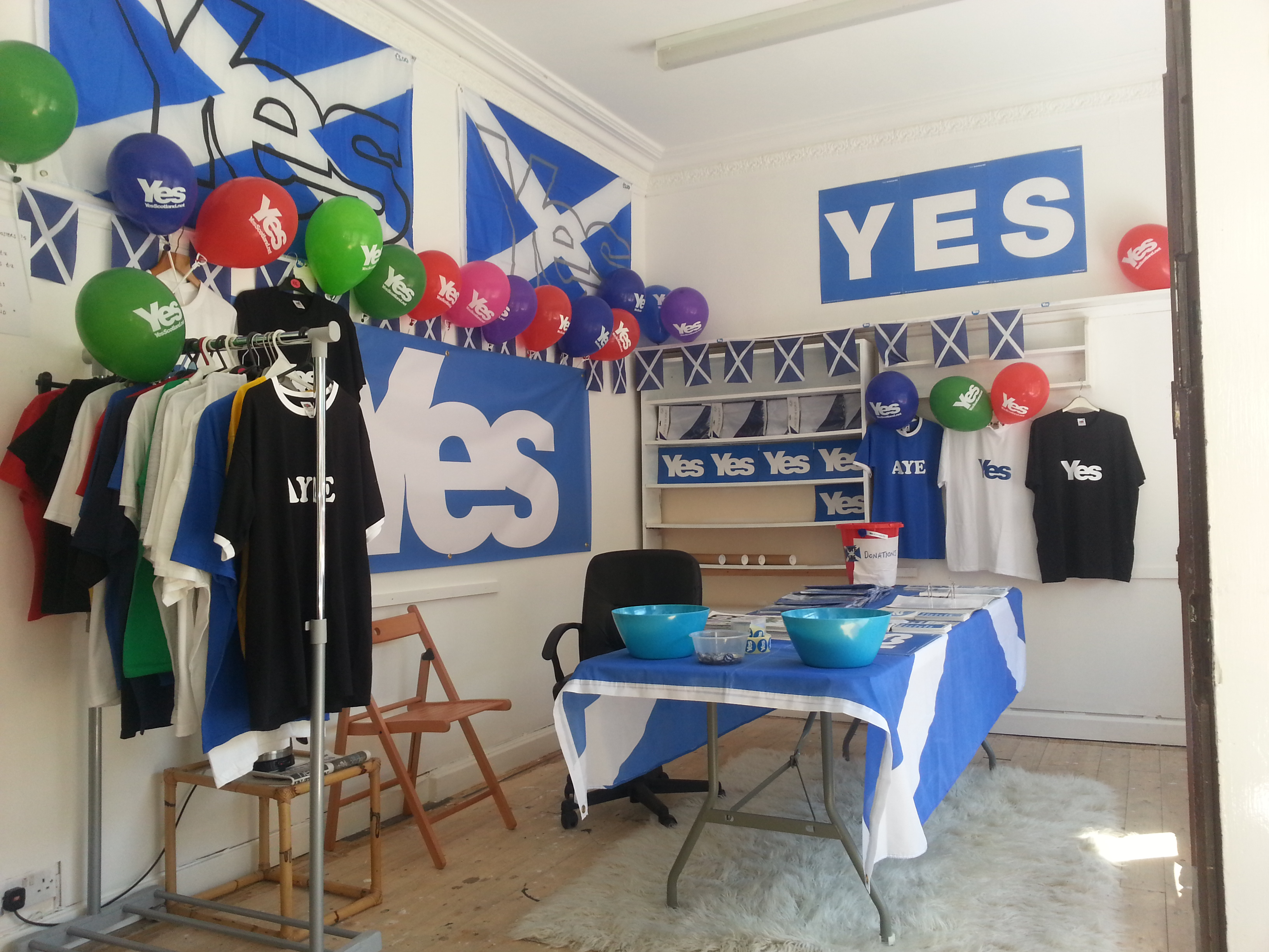 Yes shop, Burntisland