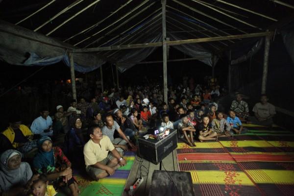 Screening dibalik kertas in Senyerang
