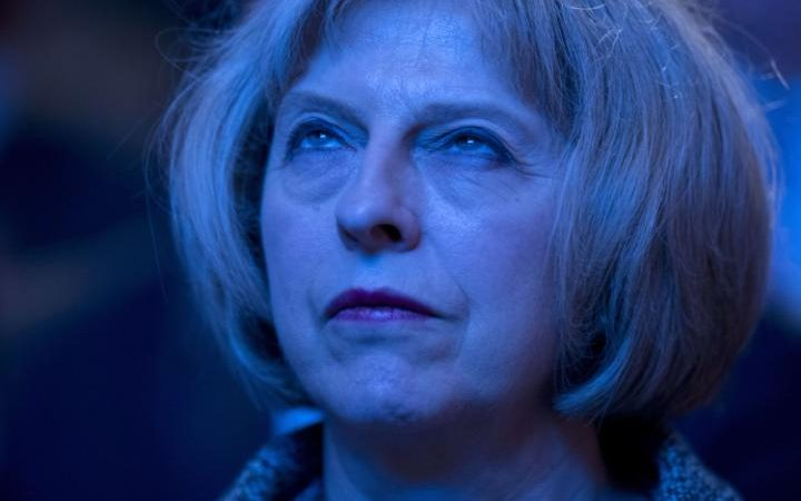 38176793_Home_Secretary_Theresa_May_watches_a_vidHome_Secretary_Theresa_May_watches_a_video_prio-large_trans++piVx42joSuAkZ0bE9ijUnGH28ZiNHzwg9svuZLxrn1U