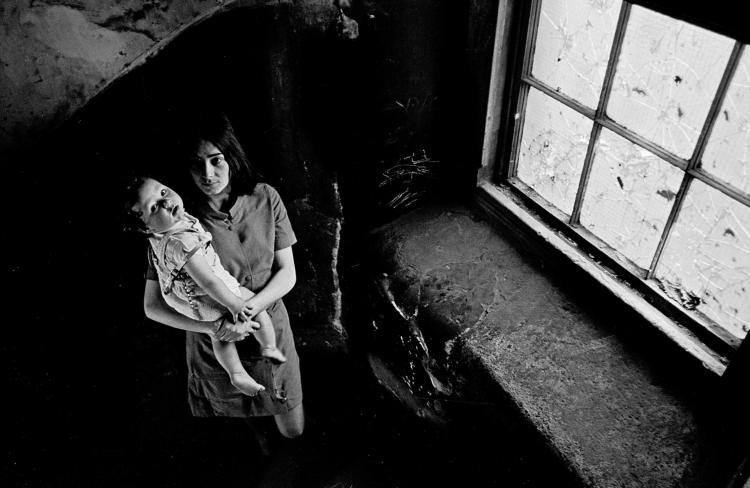 Image 3 Mother-and-baby-Gorbals 1970