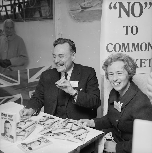 13th October 1971: English Conservative politician, Enoch Powell (1912 - 1998 ) signs copies of his book 'Common Market - The Case Against' during the Conservative Party Conference in Brighton. (Photo by Central Press/Getty Images)